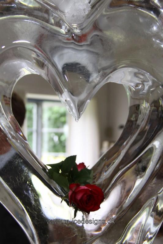 Hjerte & Rose Isskulptur til bryllup